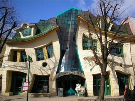 Zohýbaný dům: pohádková stavba, kterou byste v Polsku nečekali ...